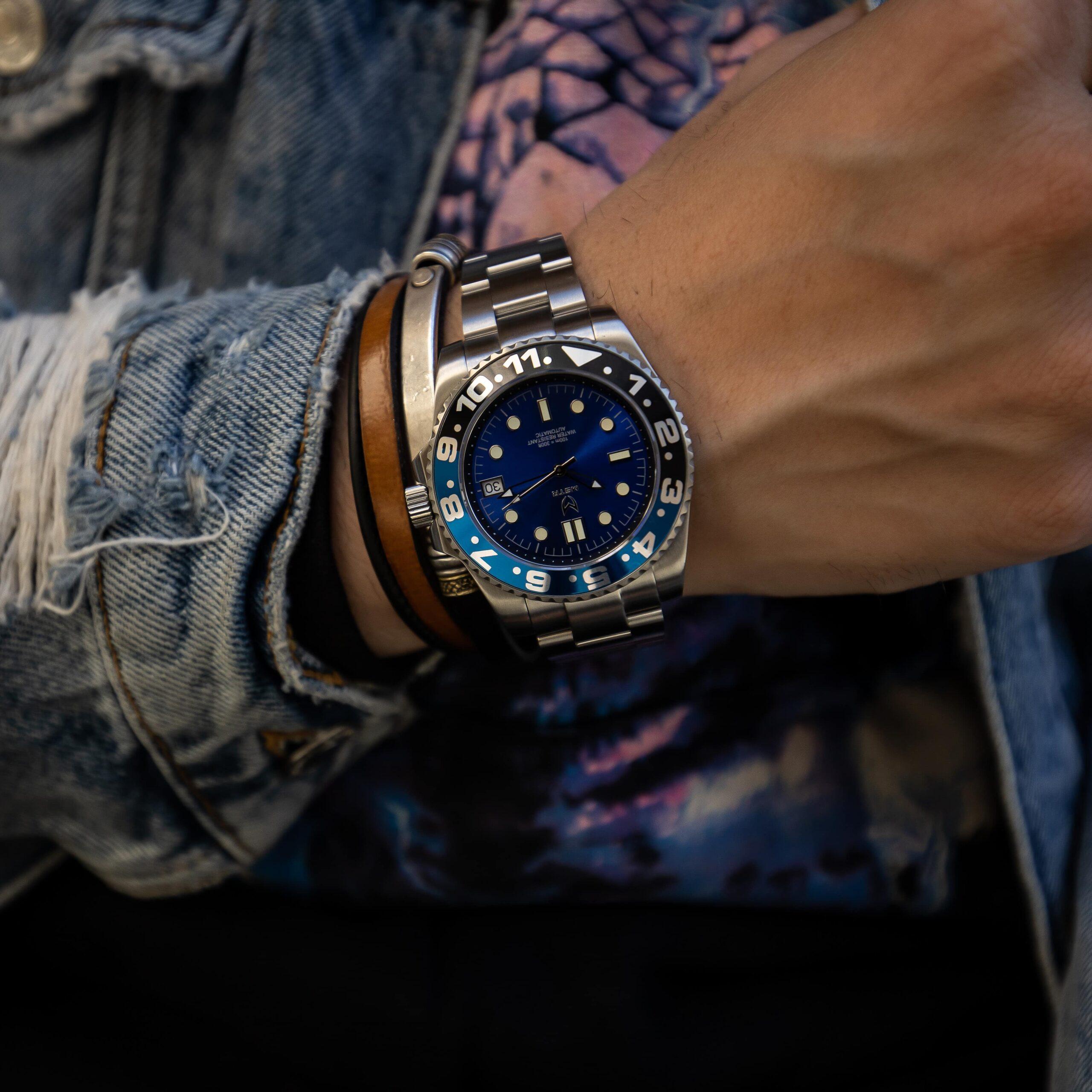 Automatic – Blauw & Zwart